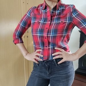 Levi's Red & Black Regular Fit Checked Casual Shirt